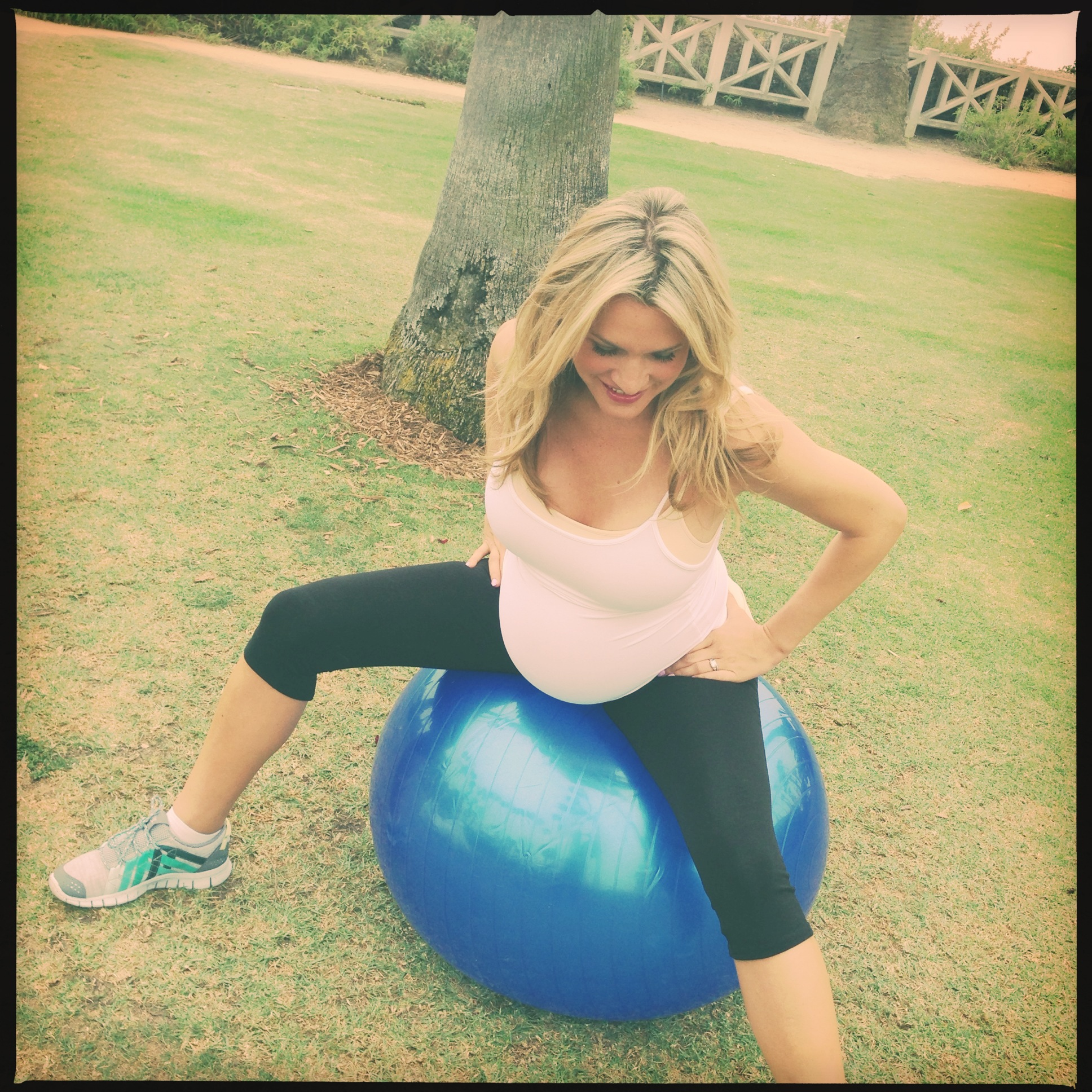 Balance Ball Exercises For Pregnancy: 301 Moved Permanently